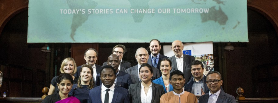 Brussels, Belgium 14 January 2016 Lorenzo Natali Media Prize 2015.  From left to right:  Front row: Ankita Anand, Arison Tamfu, Daniela de la Torre, Htet Khung Linn, Jefry M Tupas.  Middle row: Nathalie Bertrams, Ingrid Gercama, Patrick Mayoyo Akalomba, Caroline Giraud, Humberto Padgett Leon.  Last row: Klaus Rudischhauser, Olivier Basille, Fernando Frutuoso de Melo, Richard Jones, Wilfried Ruetten.  Photo © European Commission